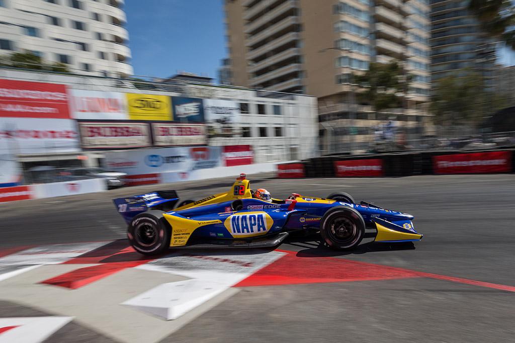 """IndyCar. Long Byče """"pole"""" poziciją iškovojo A. Rossi"""