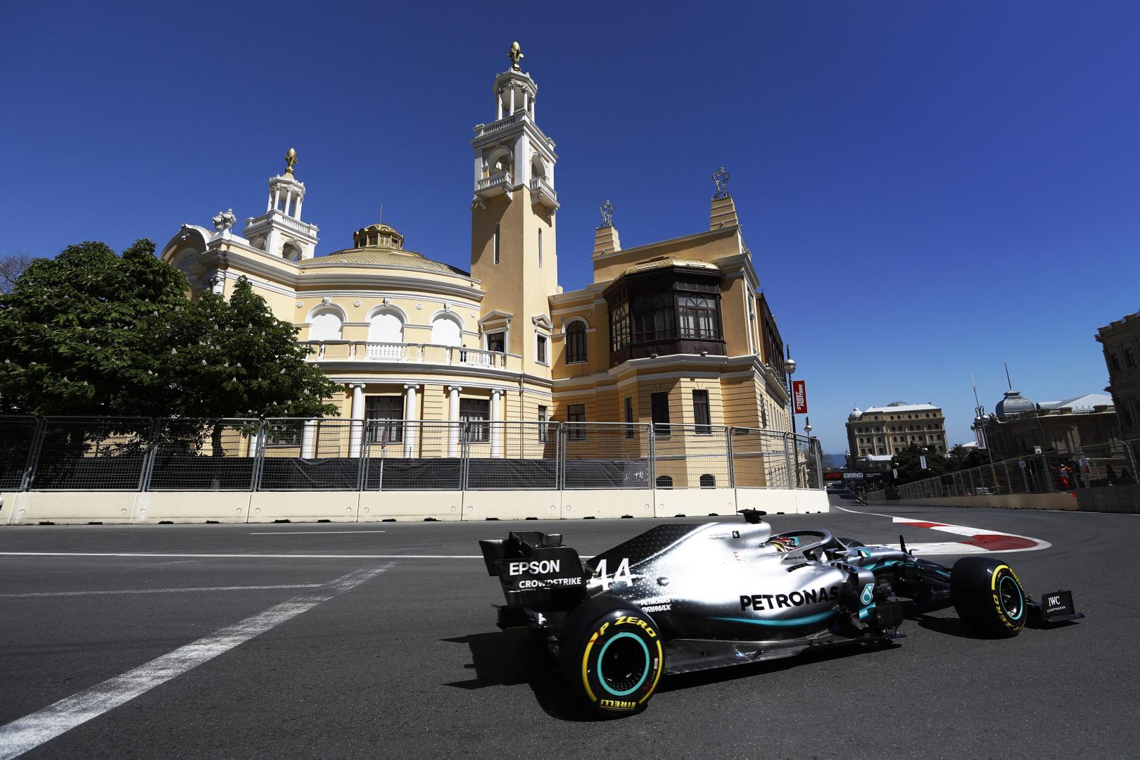 L. Hamiltonas: tai geriausias sezono startas