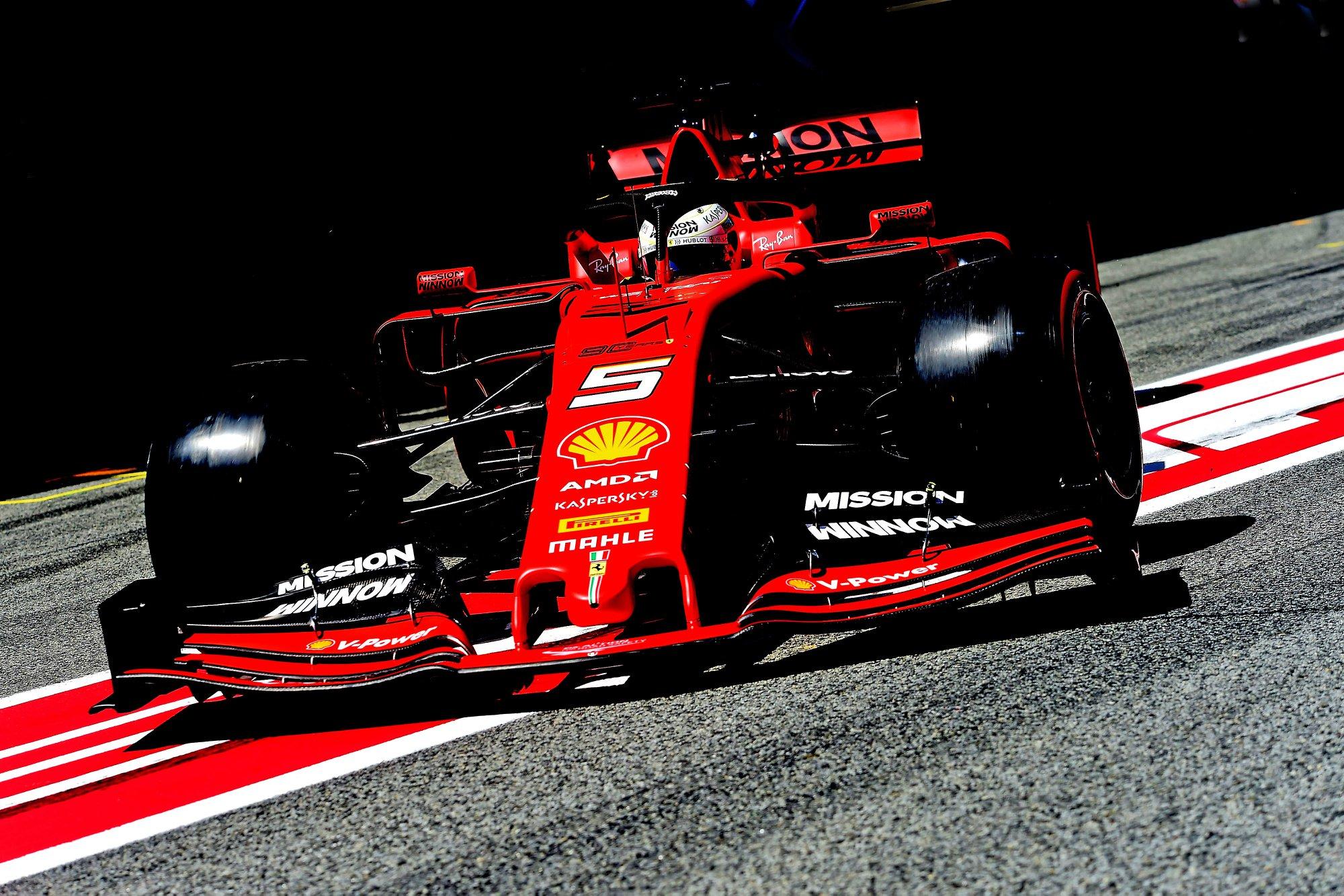 """""""Ferrari"""" neatmeta galimybės, jog gali tekti keisti bolido koncepciją"""