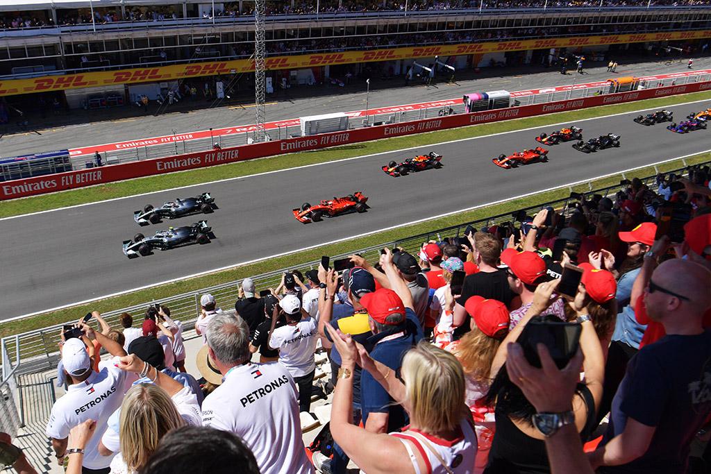 M. Brundle'as: lenktynės be žiūrovų organizatoriams būtų pražūtingos
