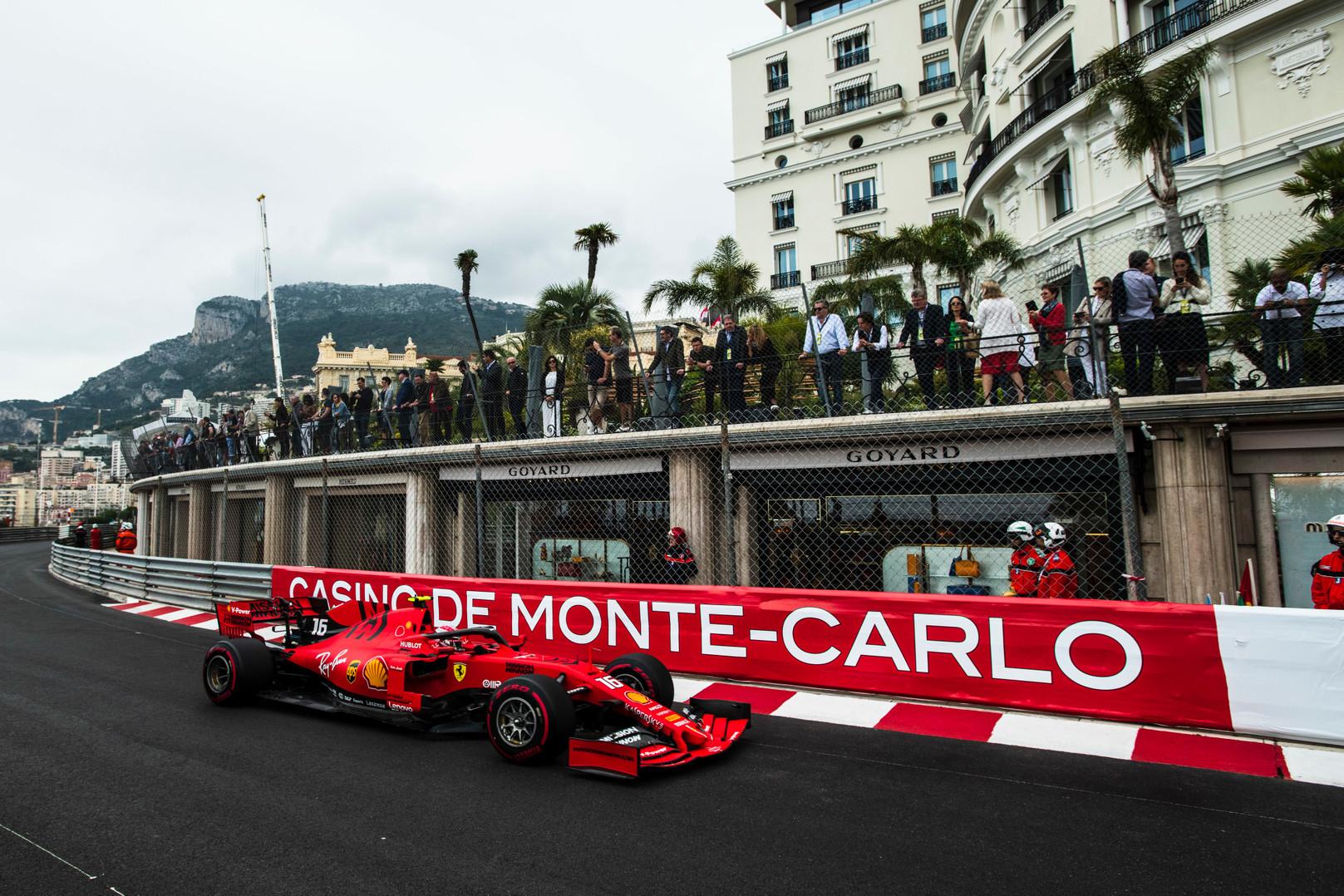"""""""Ferrari"""": mes suklydome"""