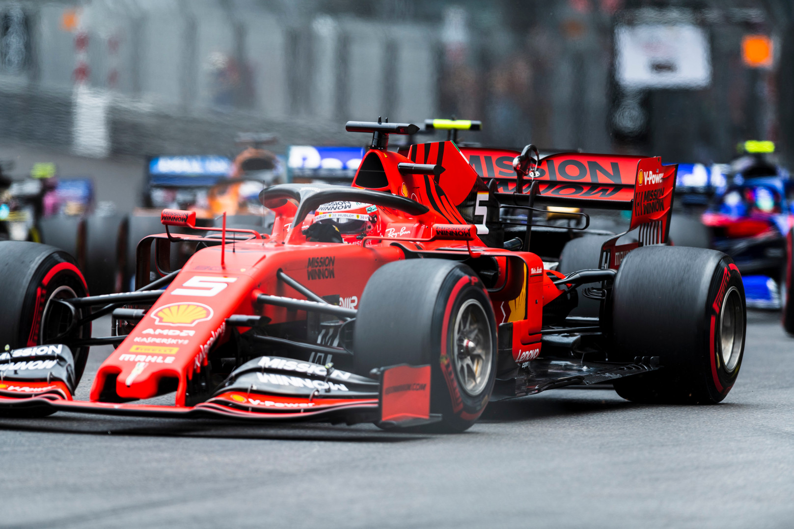 """Vokiečių spauda: """"Ferrari"""" turi problemų su hidrauline pakaba"""
