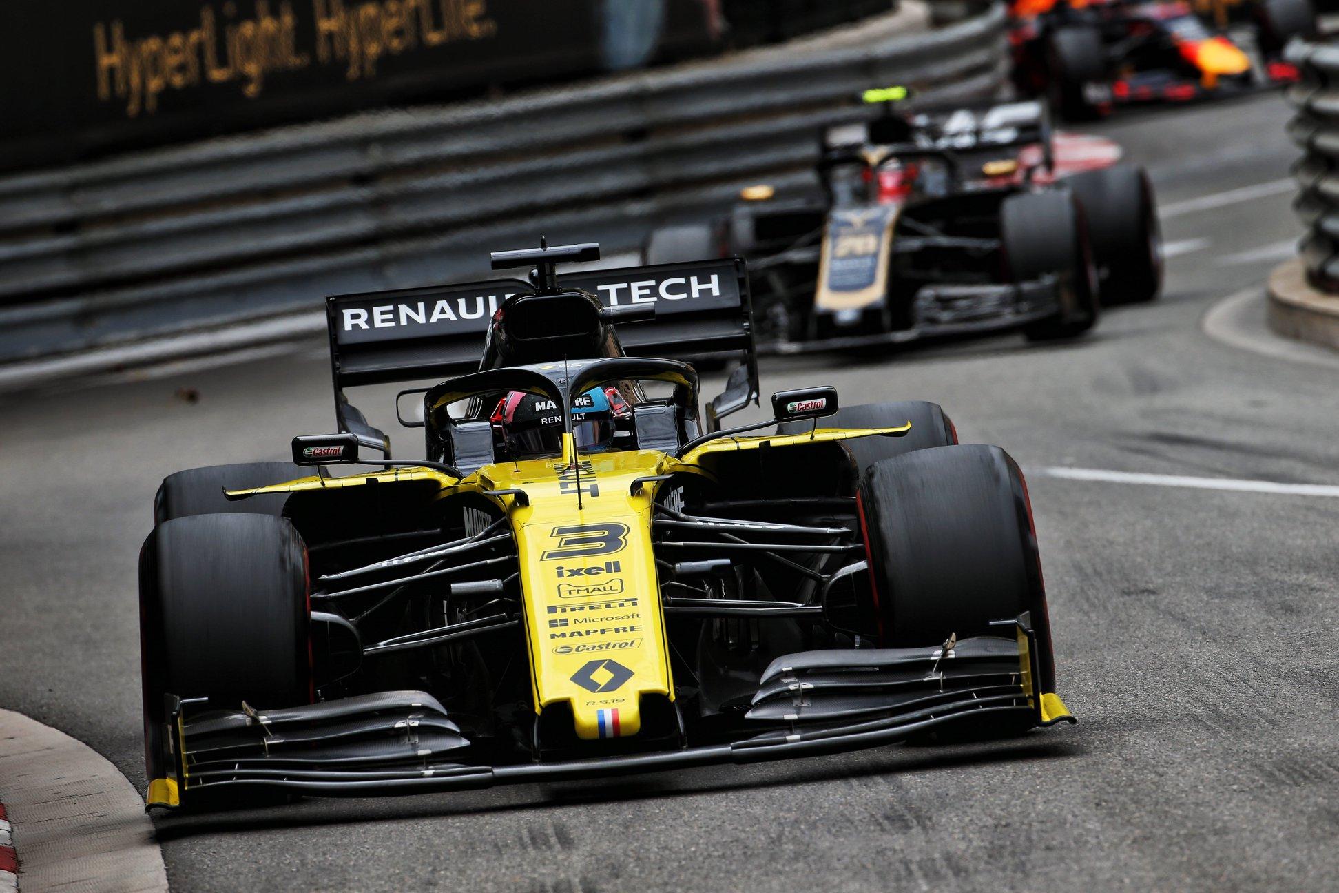 """""""Renault"""" svarsto kitiems metams sukurti """"kvalifikacinį"""" bolidą"""