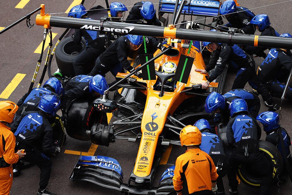 Strategijos grupė nepritarė idėjai grąžinti degalų papildymą lenktynių metu