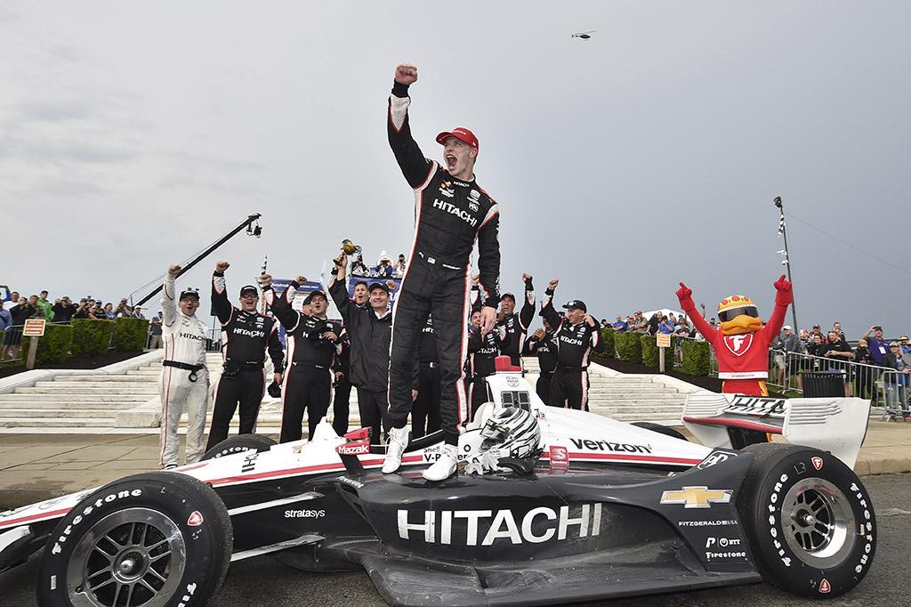 IndyCar. Pirmose lenktynėse Detroite nugalėjo J. Newgardenas