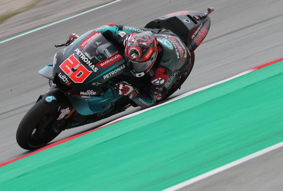 """MotoGP. Barselonoje antrąją """"pole"""" iškovojo F. Quartararo"""