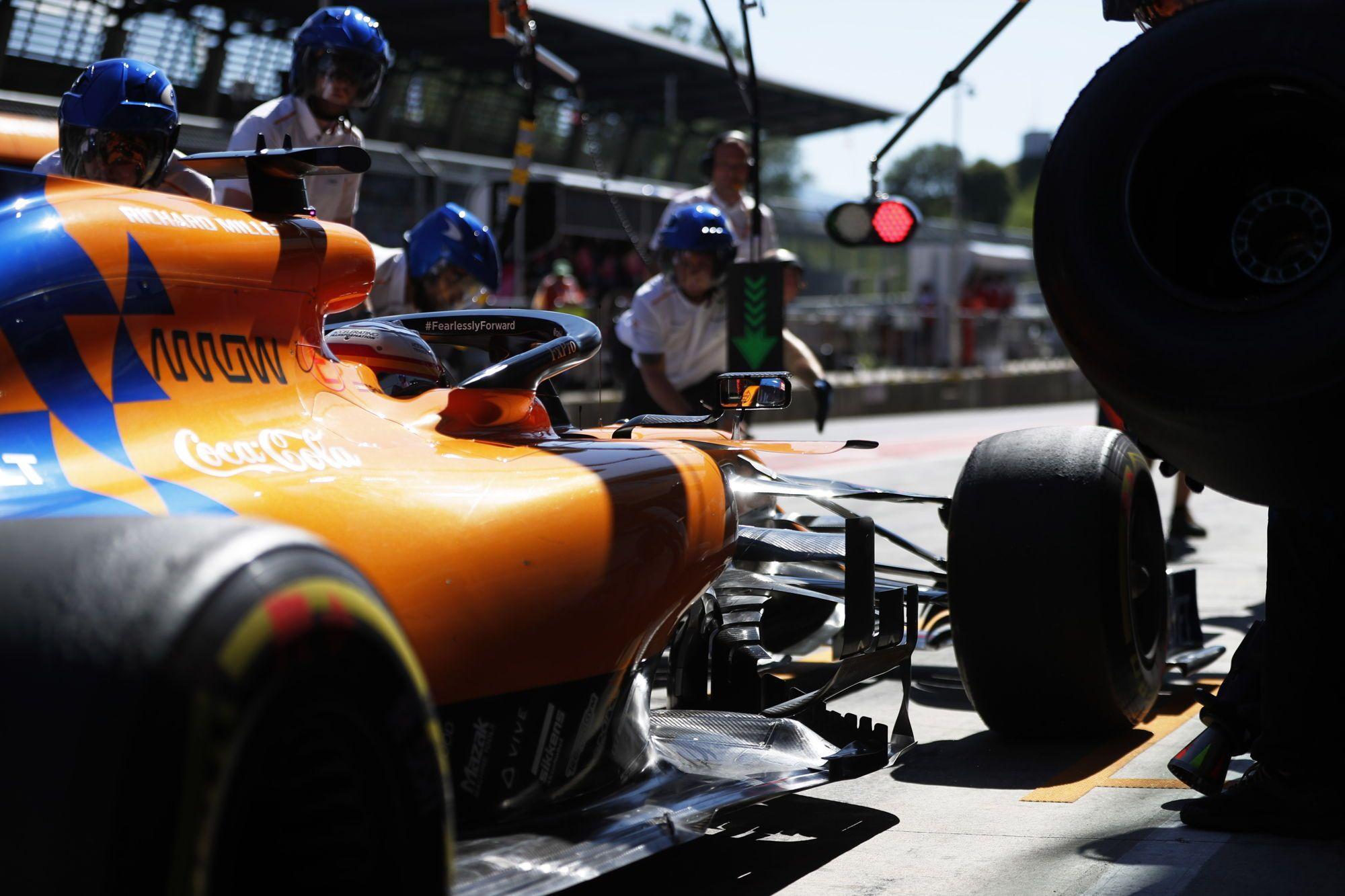 """""""McLaren"""" ketina vėl naudoti """"Mercedes"""" variklius"""