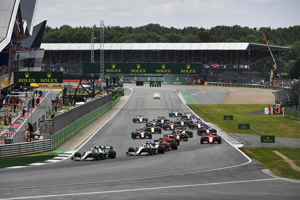 Silverstounas sutiko šiemet surengti dvi F-1 lenktynes