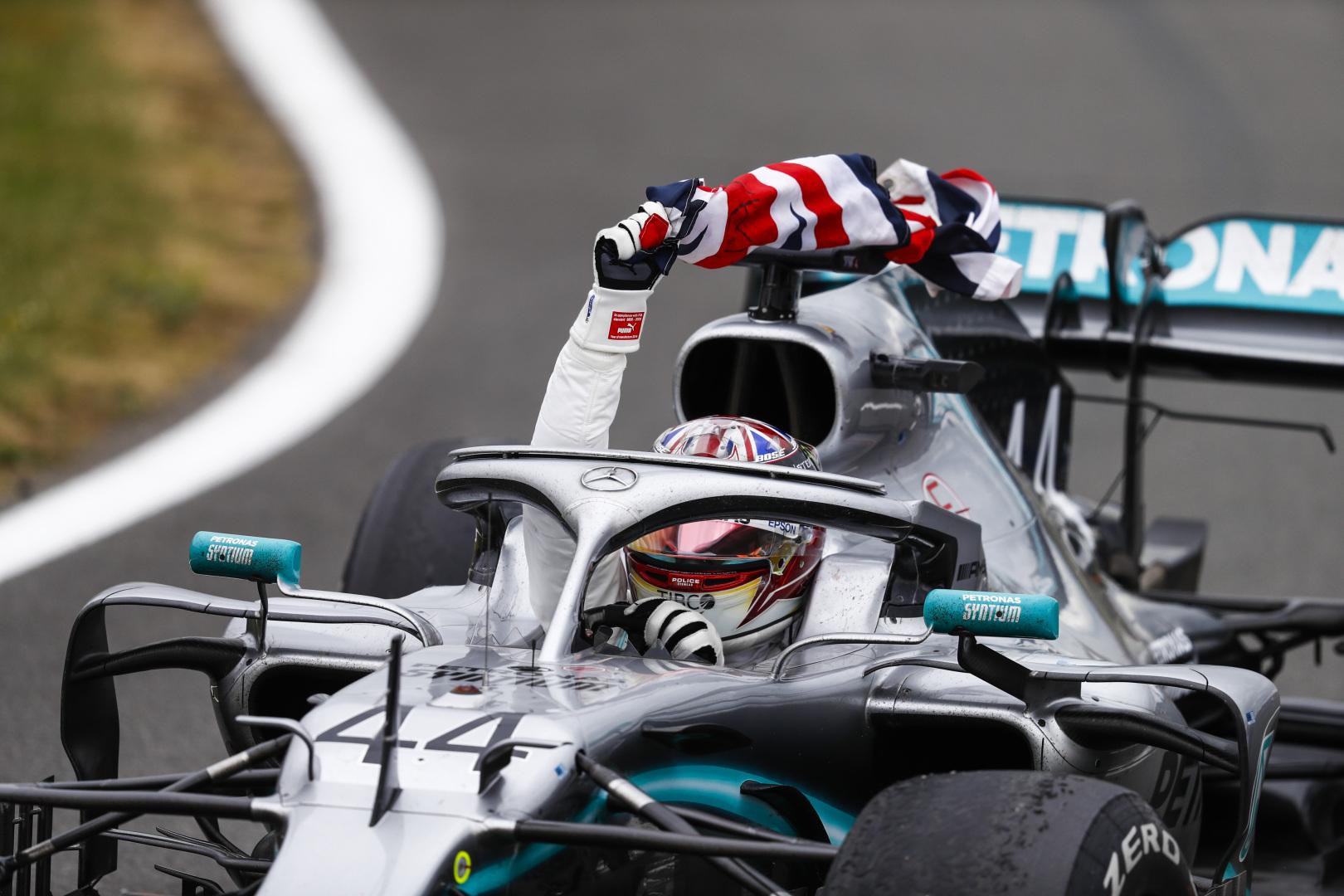 Europos spauda įvertino Didžiosios Britanijos GP lenktynes