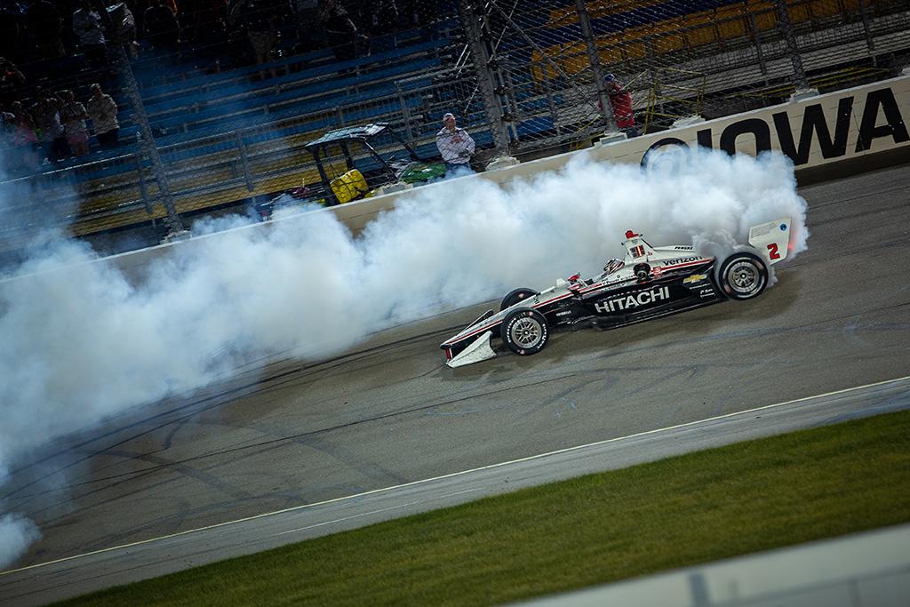 IndyCar. Ajovoje ketvirtąją pergalę iškovojo J. Newgardenas