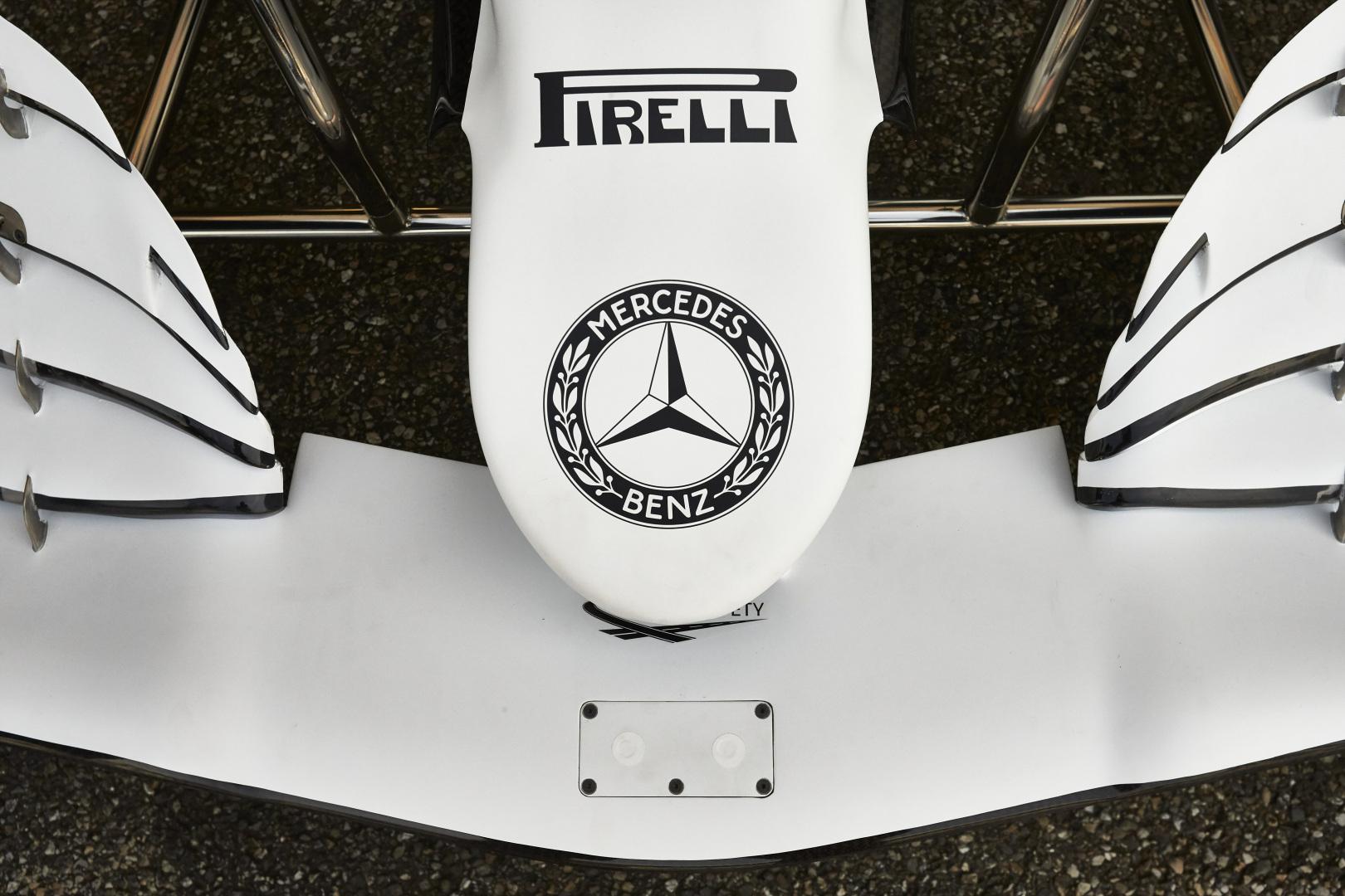 """""""Daimler"""" neigia pranešimus apie galimą """"Mercedes"""" pasitraukimą"""