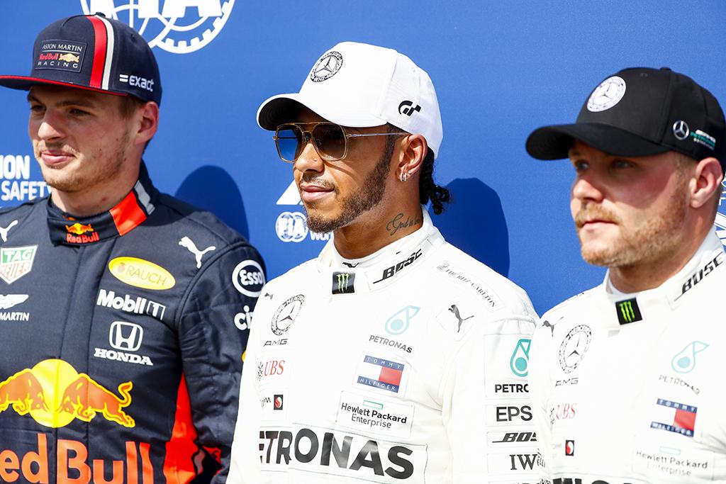 "Vokietijoje ""pole"" iškovojo L. Hamiltonas, ""Ferrari"" susidūrė su technikos gedimais"