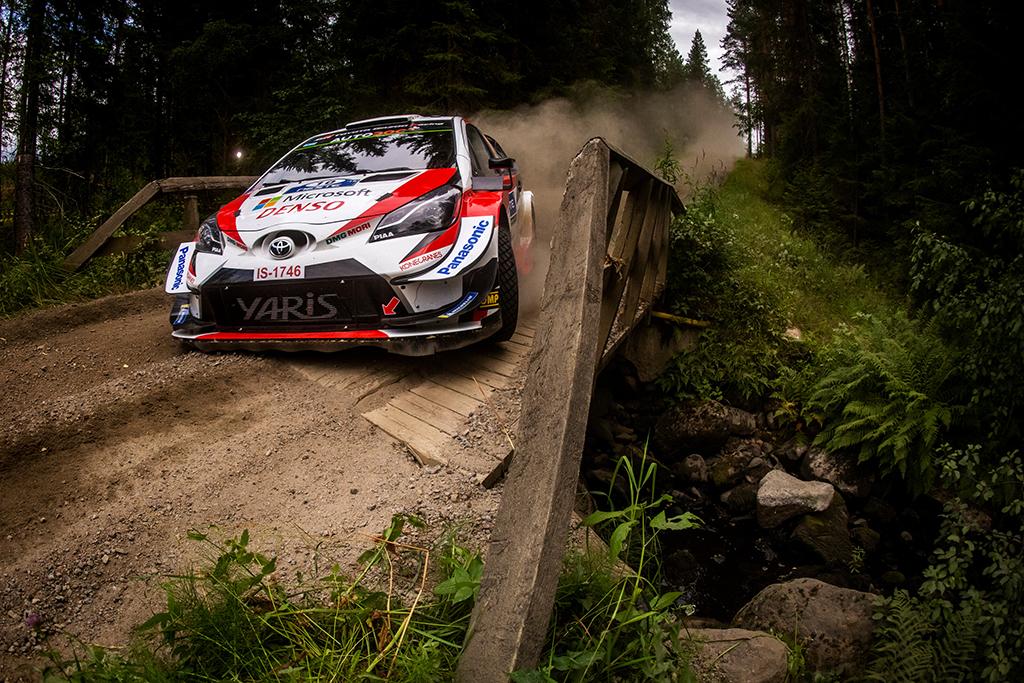 WRC. Suomijos ralyje į pirmąją vietą pakilo J.-M. Latvala
