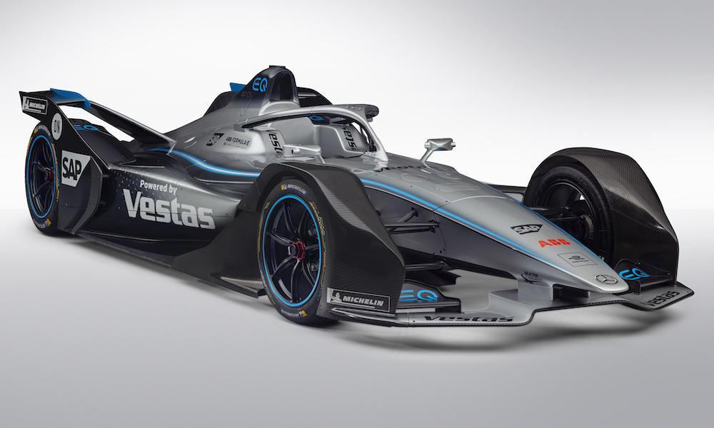 """FE. """"Mercedes"""" oficialiai pristatė savo pirmąjį """"Formulės-E"""" bolidą"""