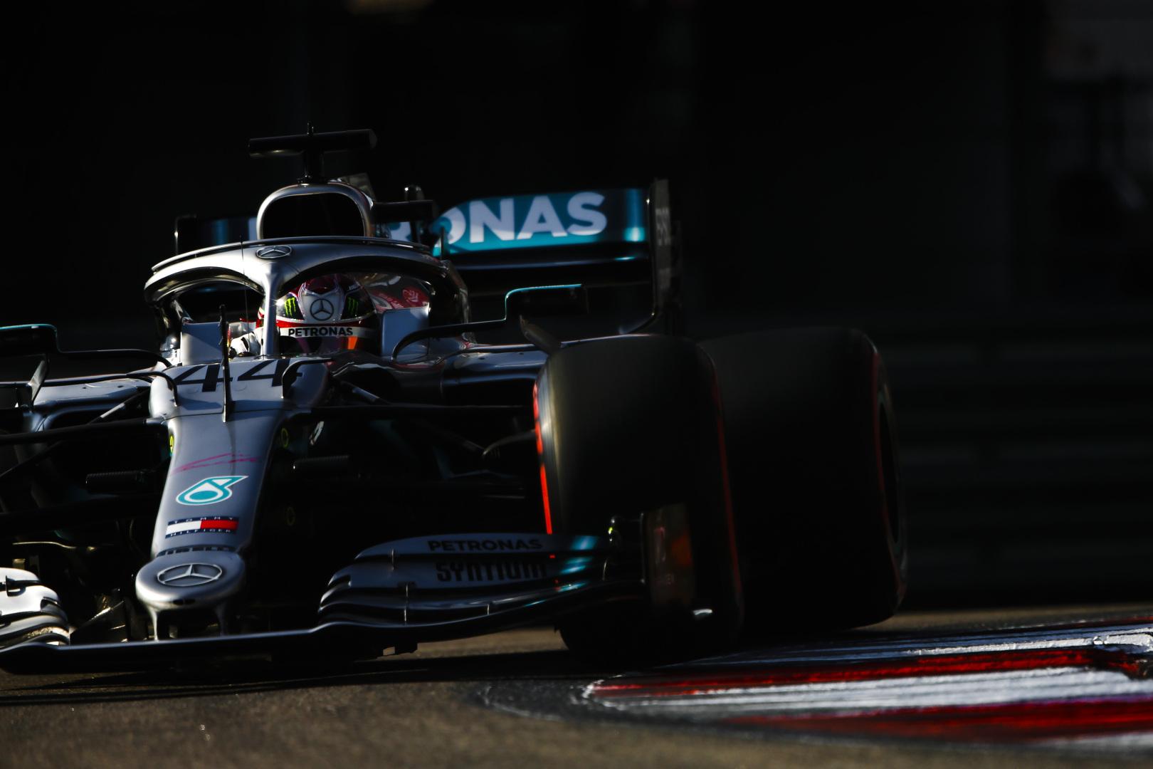 """L. Hamiltonas: įveikti """"Ferrari"""" Meksikoje bus labai sunku"""