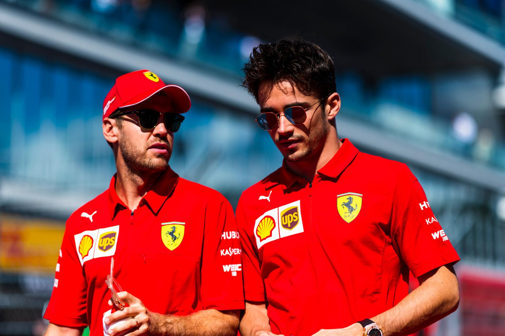 S. Vettelis: per anksti C. Leclercą vadinti sunkiausiai įveikiamu komandos draugu