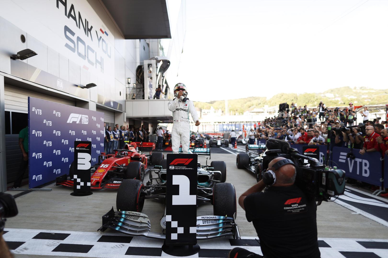 "Sočyje - L. Hamiltono triumfas ir ""Mercedes"" dublis"