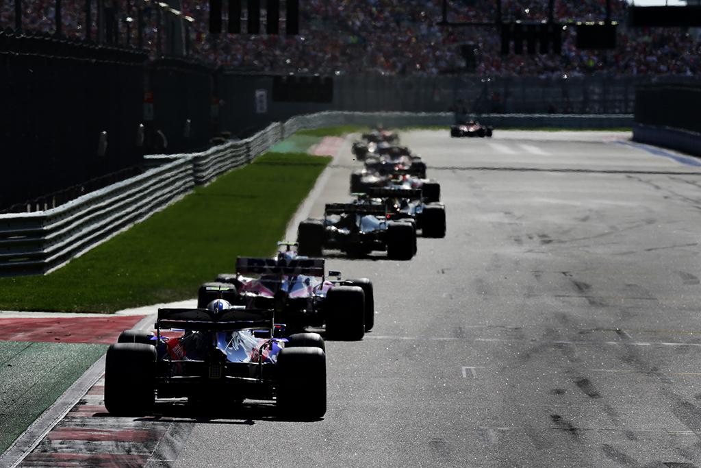 Kvalifikacinės lenktynės gali padidinti išlaidas