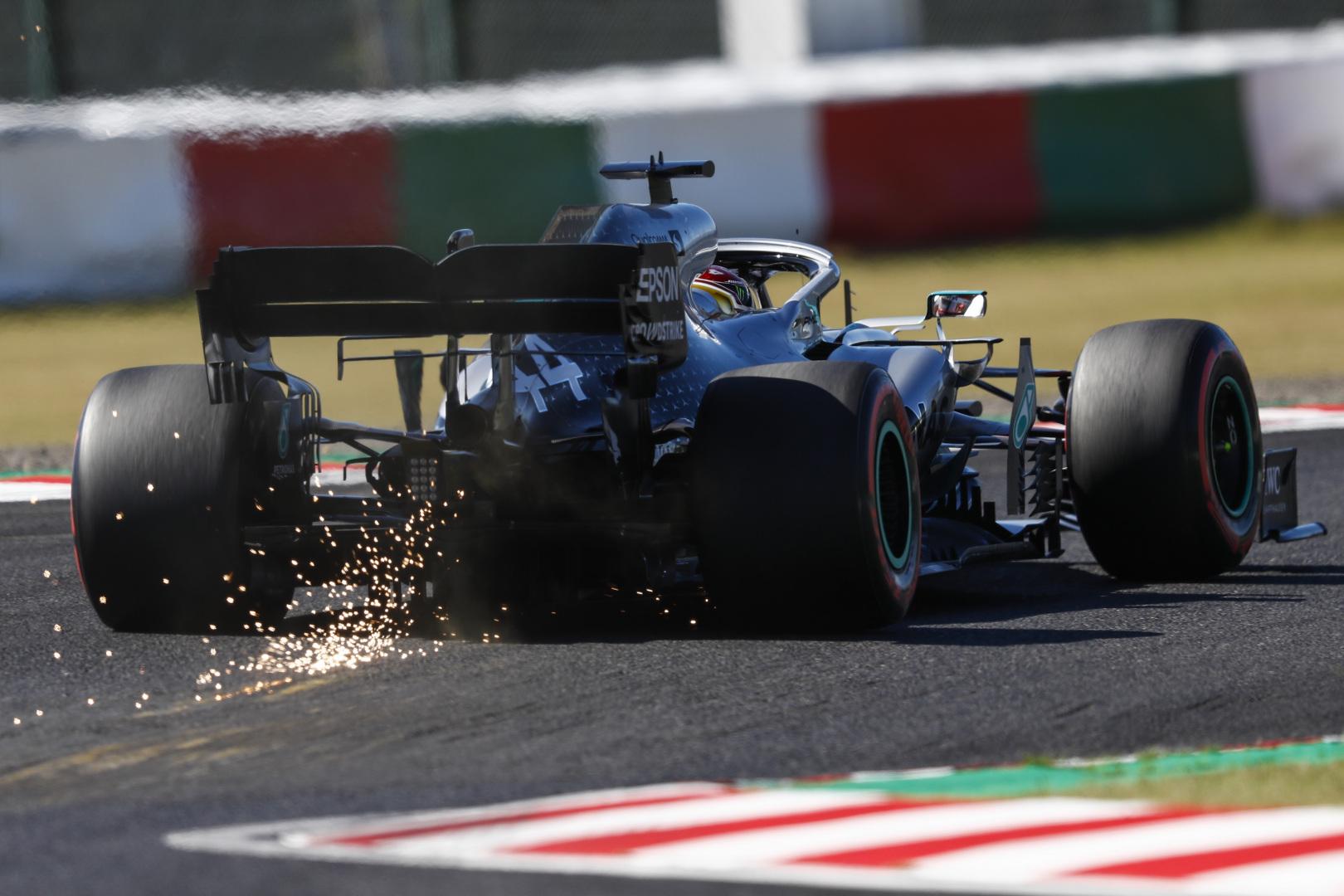 L. Hamiltonas: variklį šiemet tobulinome prasčiau nei varžovai
