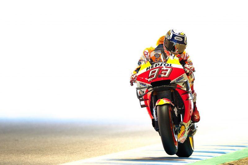 """MotoGP. Japonijoje iš """"pole"""" pozicijos startuos M. Marquezas"""