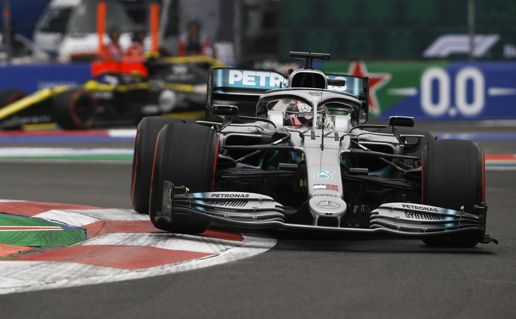 L. Hamiltonas: su apgadintu bolidu lenktyniauti nebuvo lengva