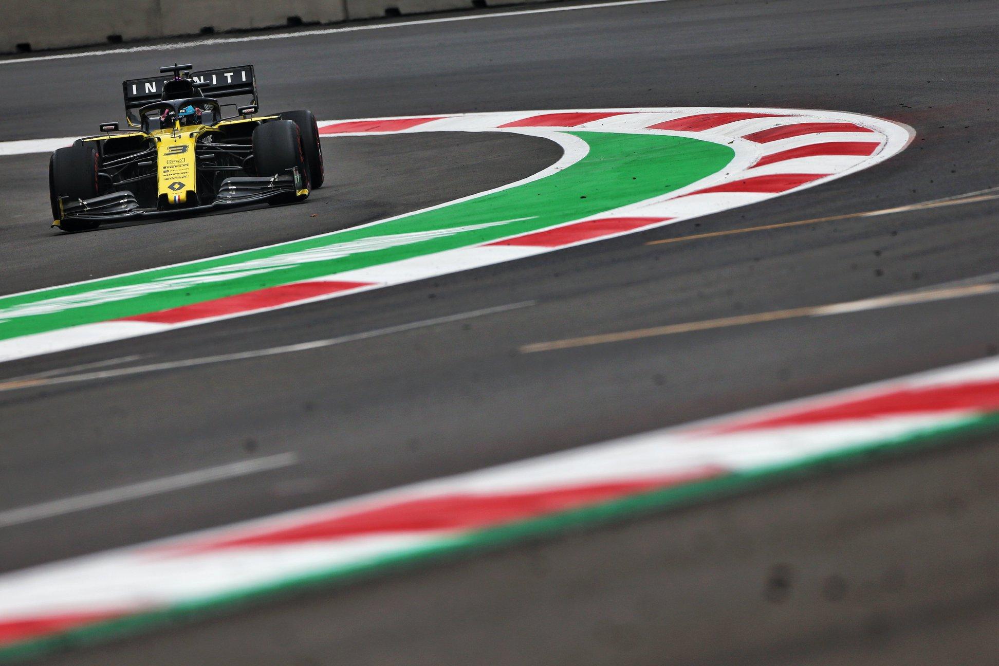 """""""Renault"""" svarstys, ar likti """"Formulėje-1"""""""