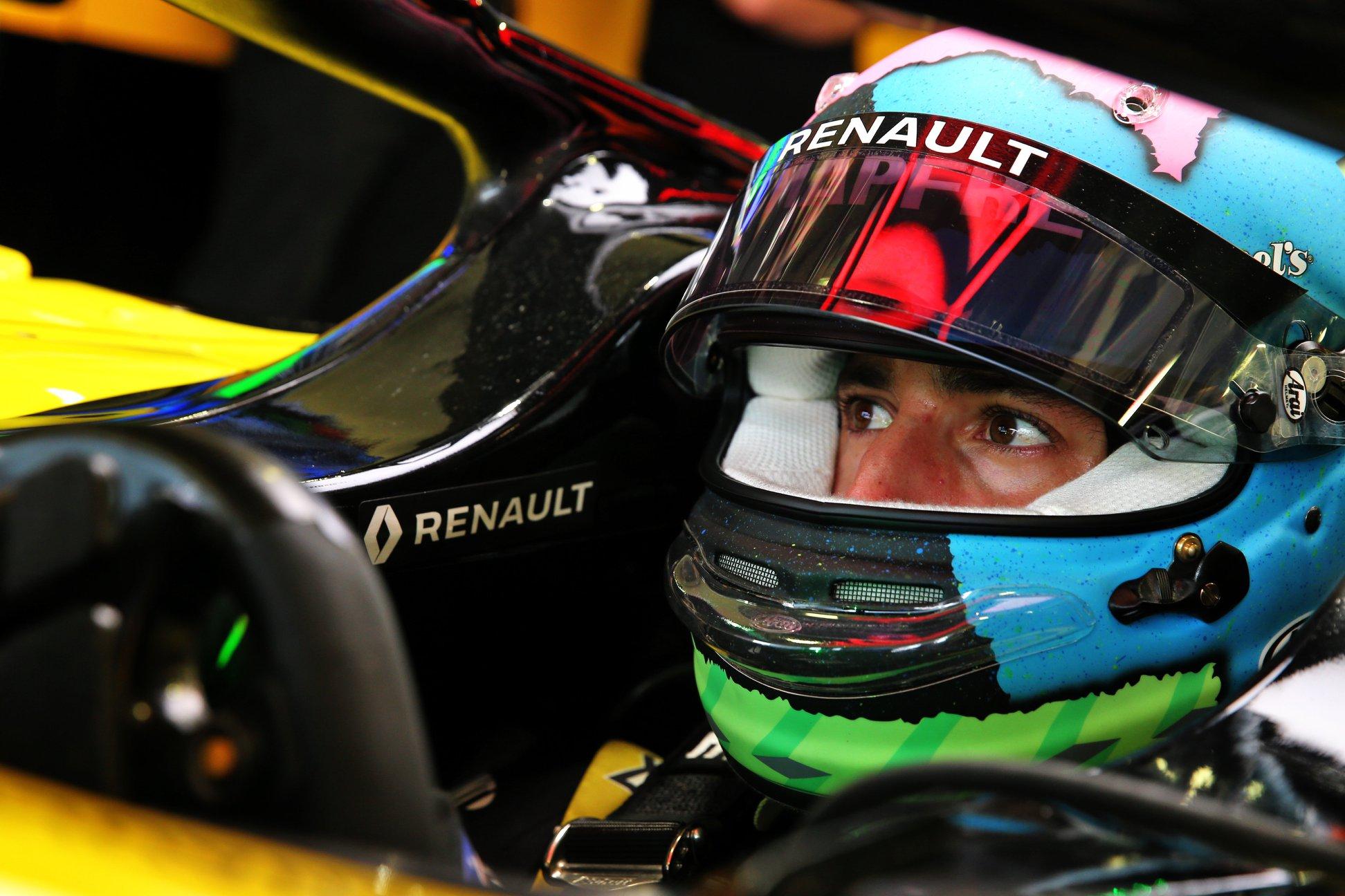 """""""Renault"""" tikisi išlaikyti savo gretose D. Ricciardo"""