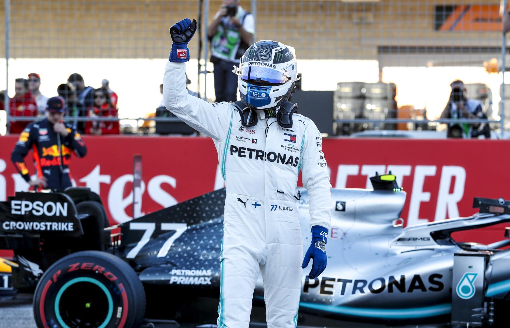 V. Bottas nugalėjo Ostine, L. Hamiltonas šeštą kartą tapo F-1 čempionu