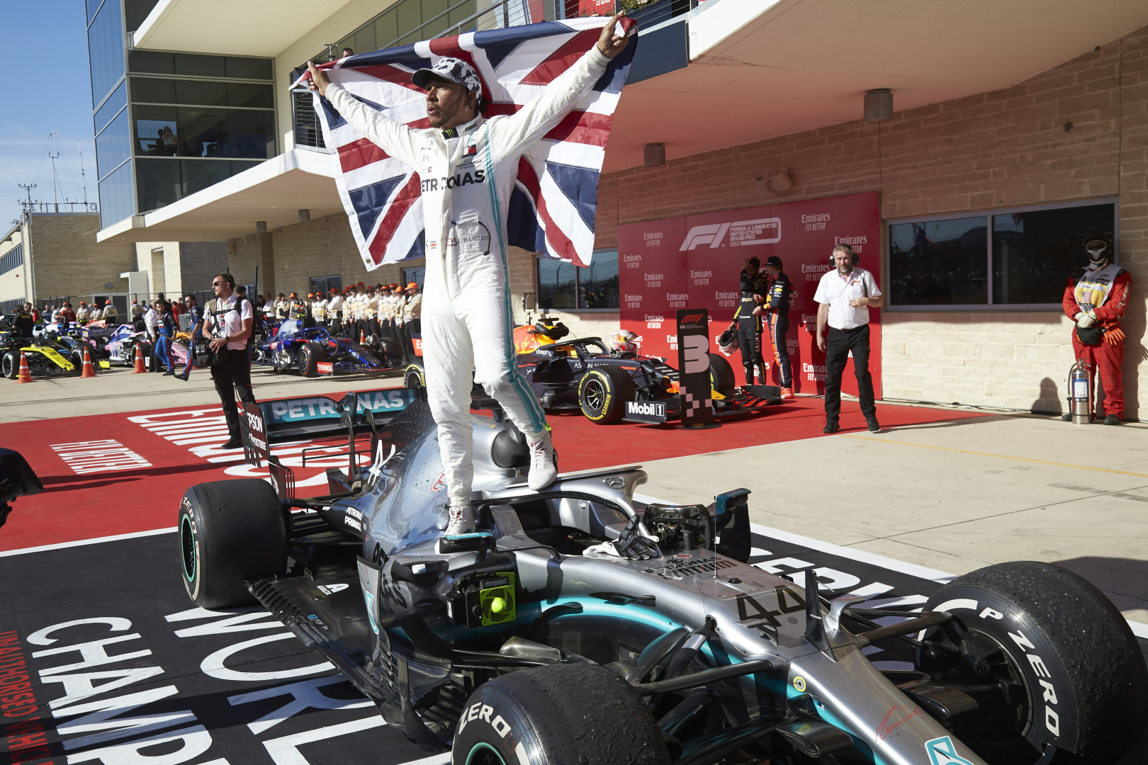 E. Jordanas: rikiuotėje nėra piloto, galinčio rimčiau pasipriešinti L. Hamiltonui