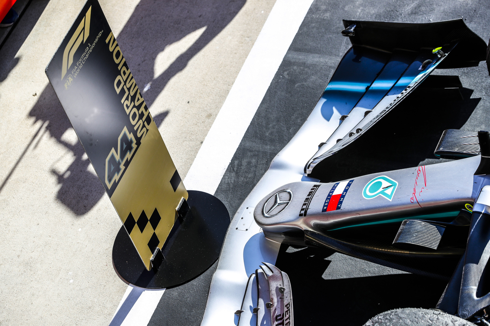 """Mercedes"" naująjį bolidą išbandys Silverstoune"