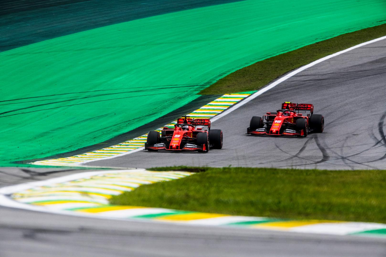J. Buttonas tikisi geresnio S. Vettelio ir C. Leclerco bendradarbiavimo