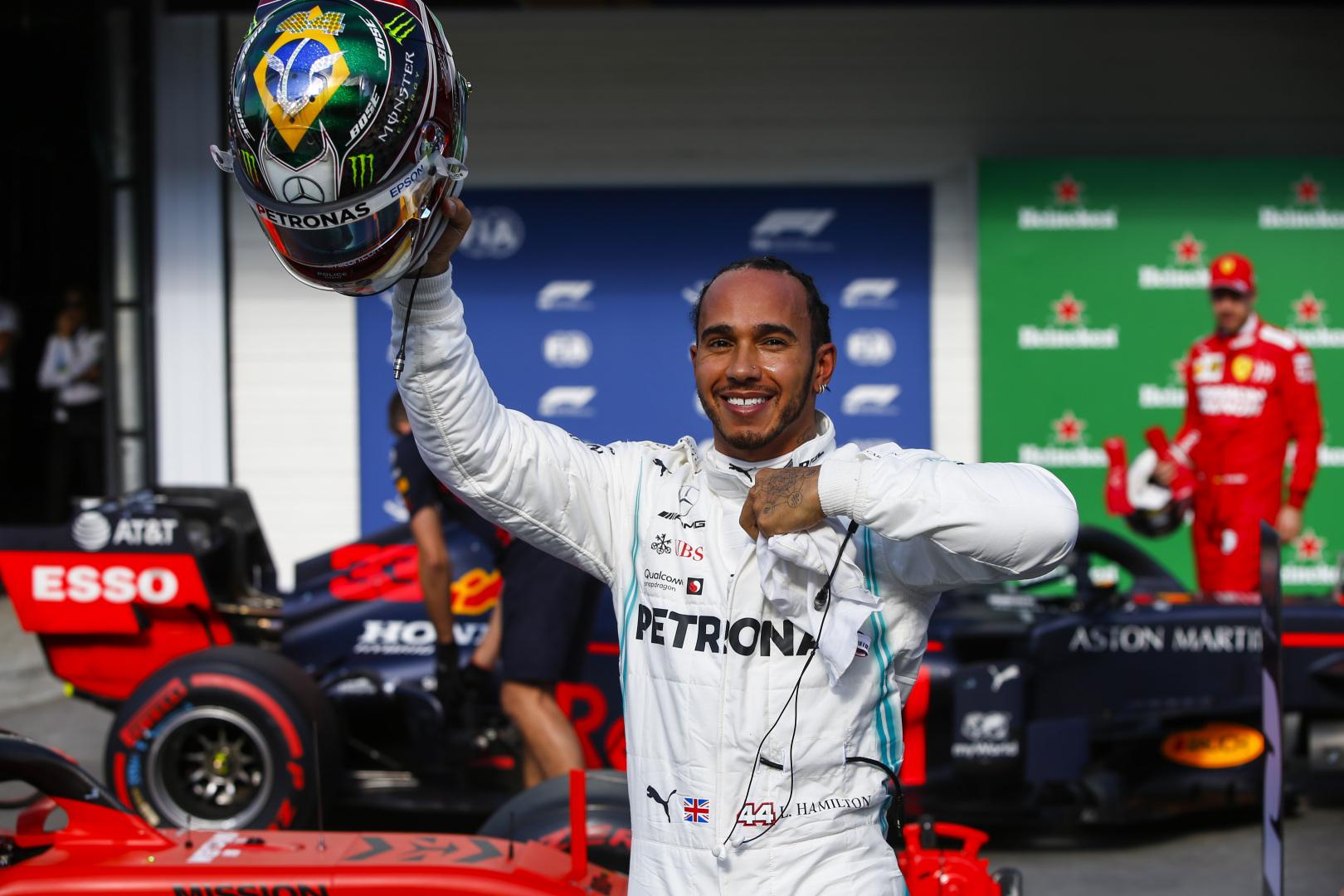 """G. Bergeris ragina L. Hamiltoną ateityje pereiti į """"Ferrari"""""""