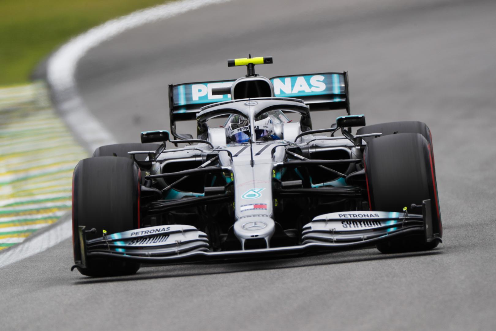 "V. Bottas: ""Red Bull"" tiesiosiose greitesni už ""Mercedes"""