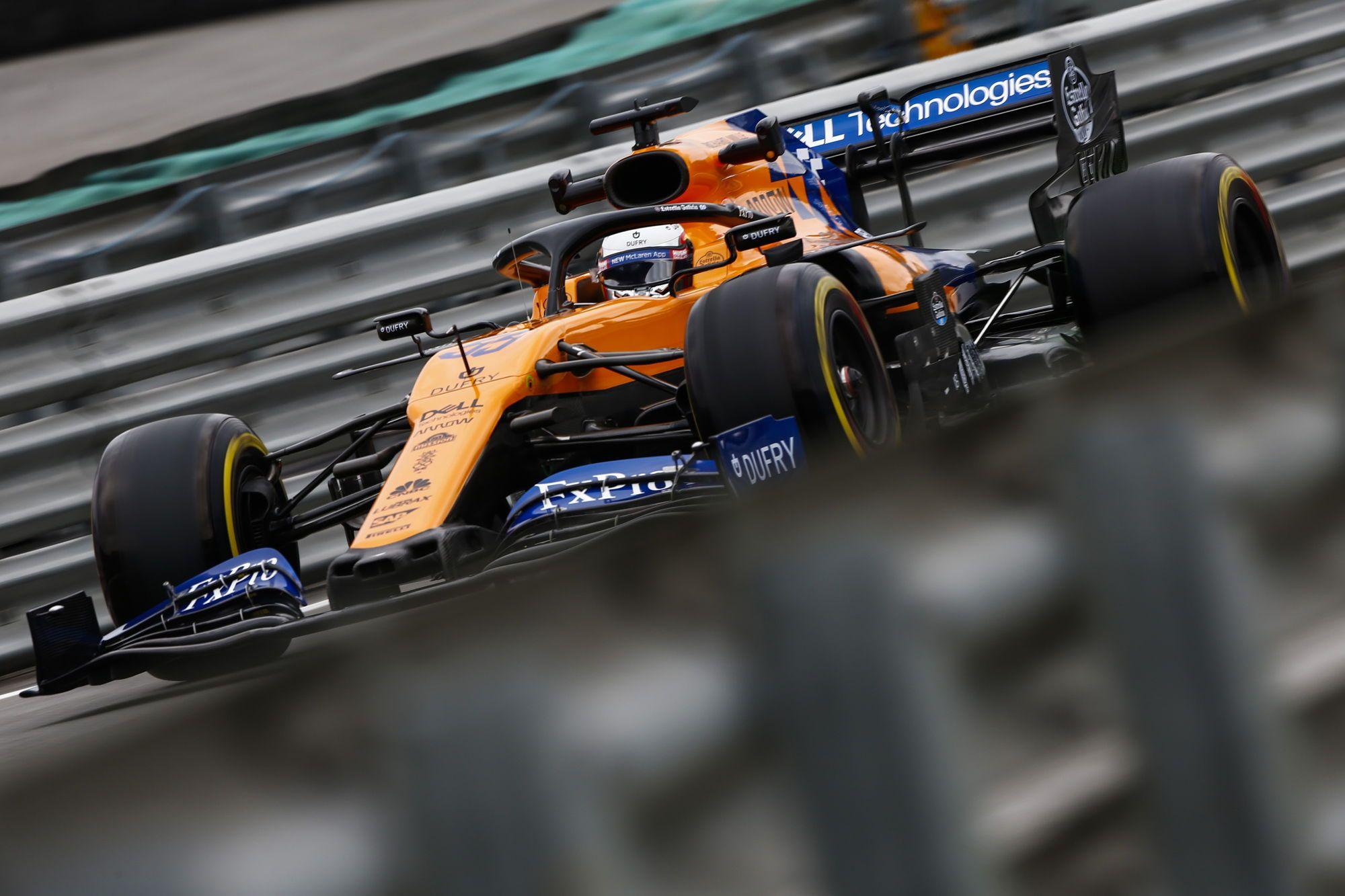FIA paaiškino, kodėl C. Sainzas neužlipo ant podiumo