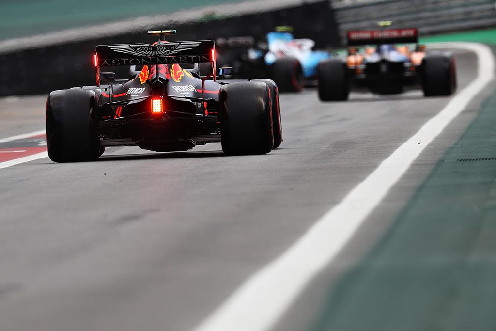 """""""Pirelli"""" nesutinka, kad 2021 m. F-1 bolidai bus vos greitesni už F-2 automobilius"""