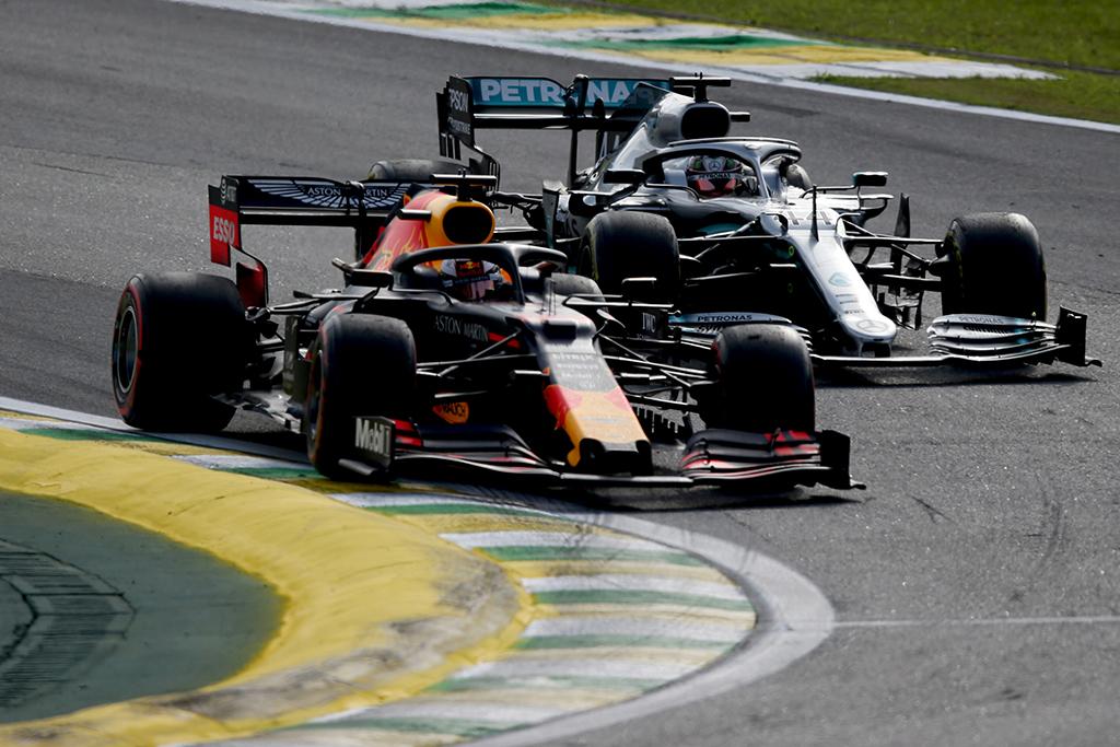 """M. Verstappenas: Didžioji dalis pilotų galėtų tapti """"Formulės-1"""" čempionais su """"Mercedes"""" bolidu"""