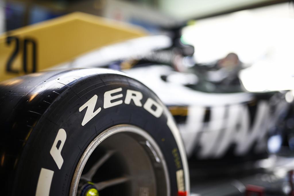 """""""Pirelli"""" spėja, kad stojama bus du kartus"""