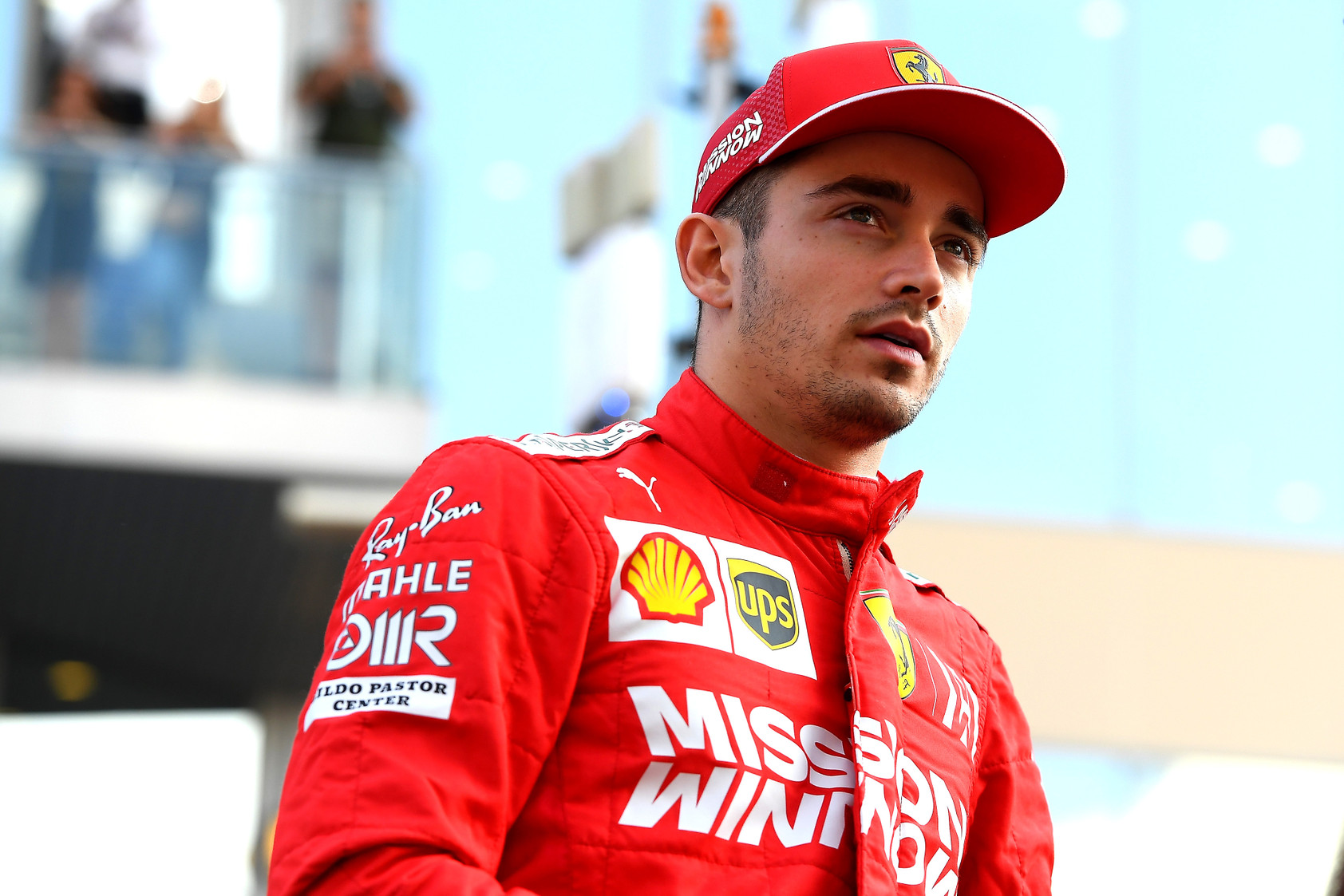 B. Zehnderis: C. Leclercas - K. Raikkoneno ir M. Schumacherio mišinys