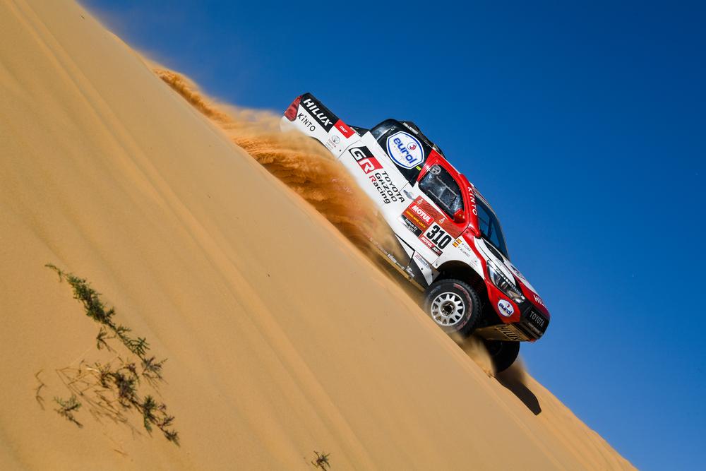 Dakaras. B. Vanagas susidūrė su problemomis, F. Alonso sparčiai artėja prie pirmojo dešimtuko