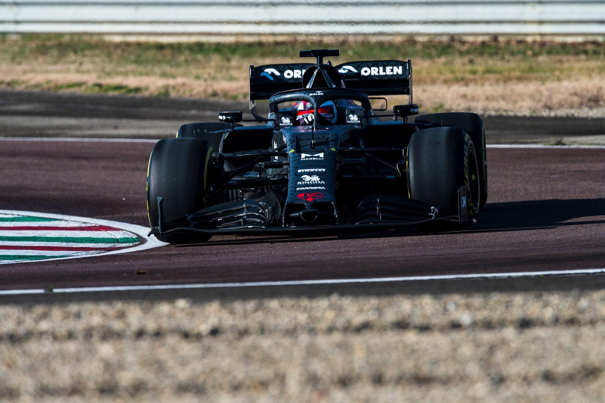 """Fiorano trasoje išbandytas naujasis """"Alfa Romeo"""" bolidas"""