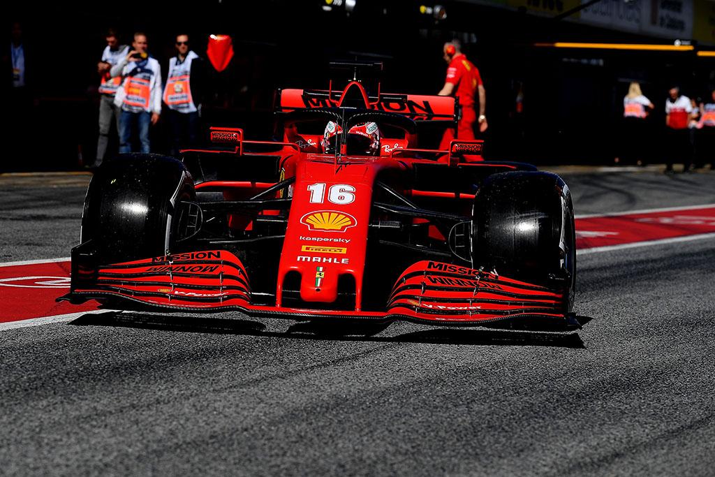 """""""Ferrari"""" ir """"AlphaTauri"""" pakeliui į Australiją"""