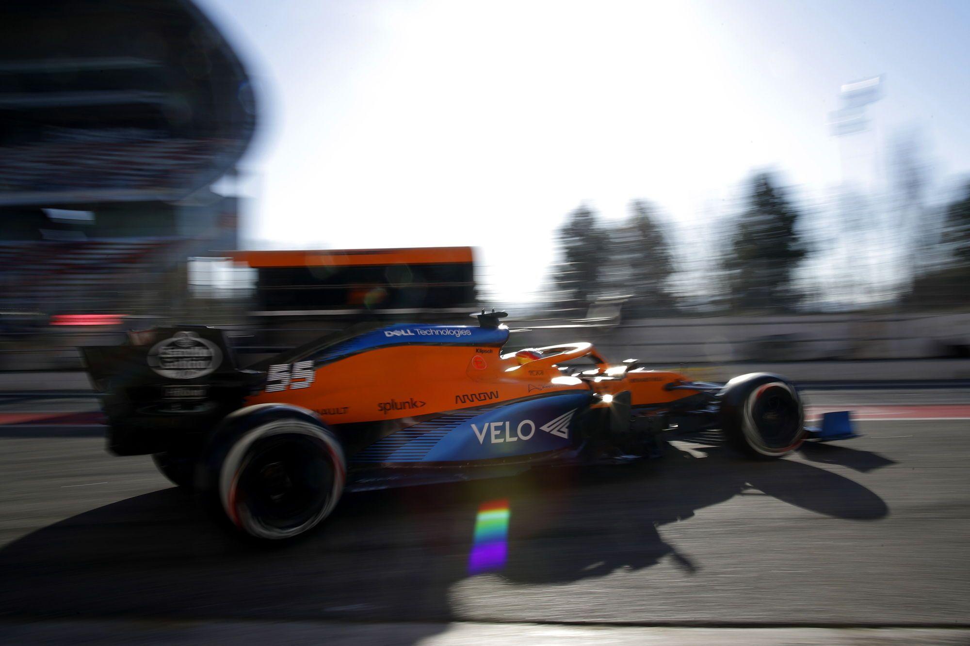 """Oficialu: """"McLaren"""" traukiasi iš Australijos GP"""