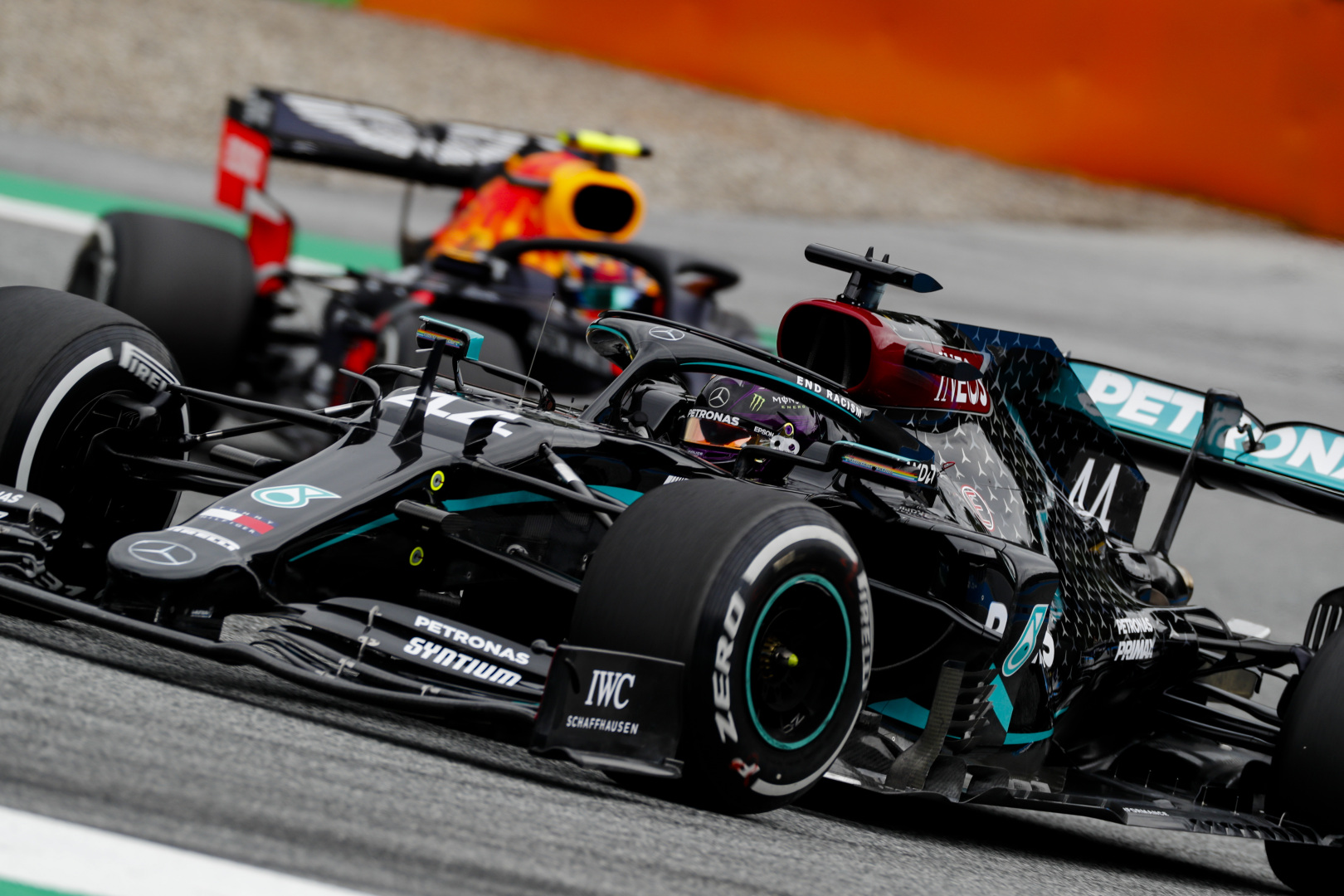 L. Hamiltonas: susidūrimas su A. Albonu - lenktyninis incidentas