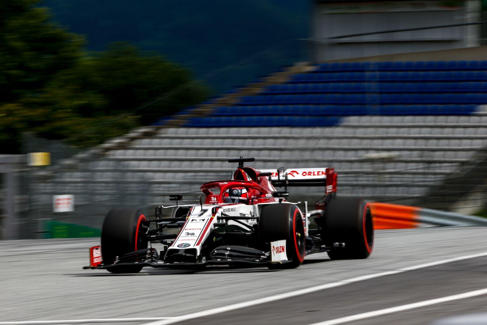 """Teisėjai skyrė piniginę baudą """"Alfa Romeo"""" komandai"""