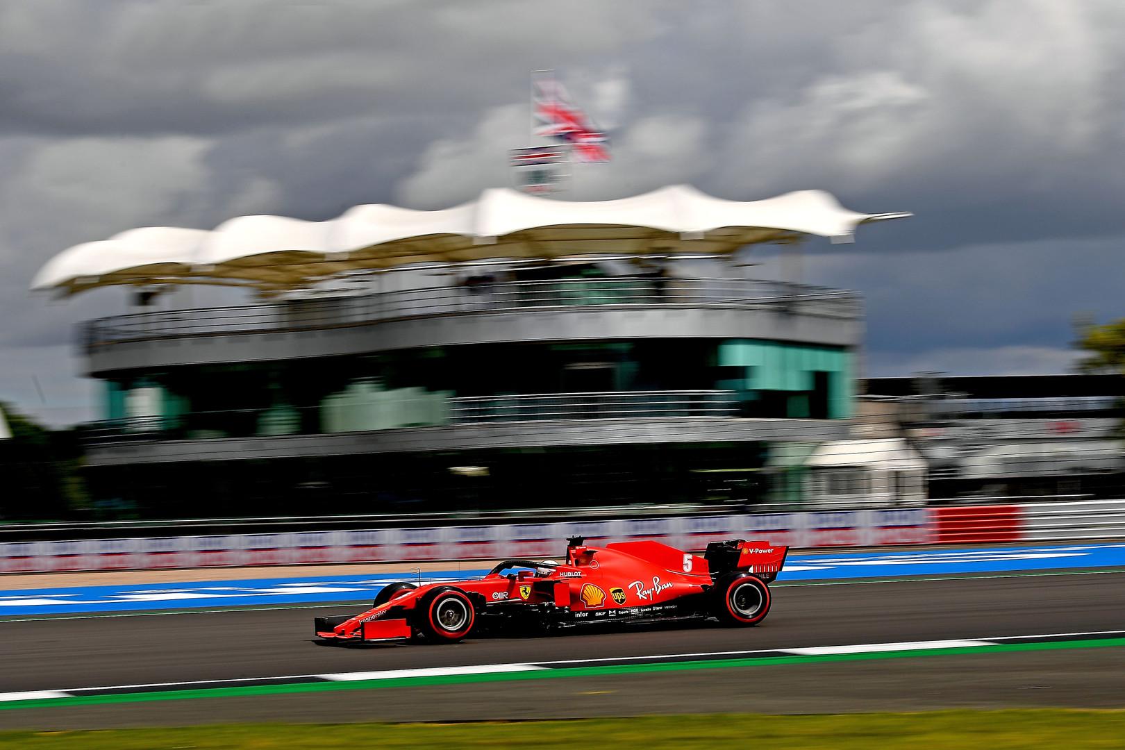 S. Vettelis: kažkas buvo negerai su bolidu