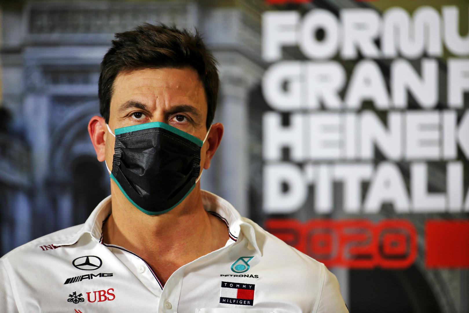 """T. Wolffas """"Ferrari"""" nebūtų pritarusi mano kandidatūrai į F-1 vadovo postą"""