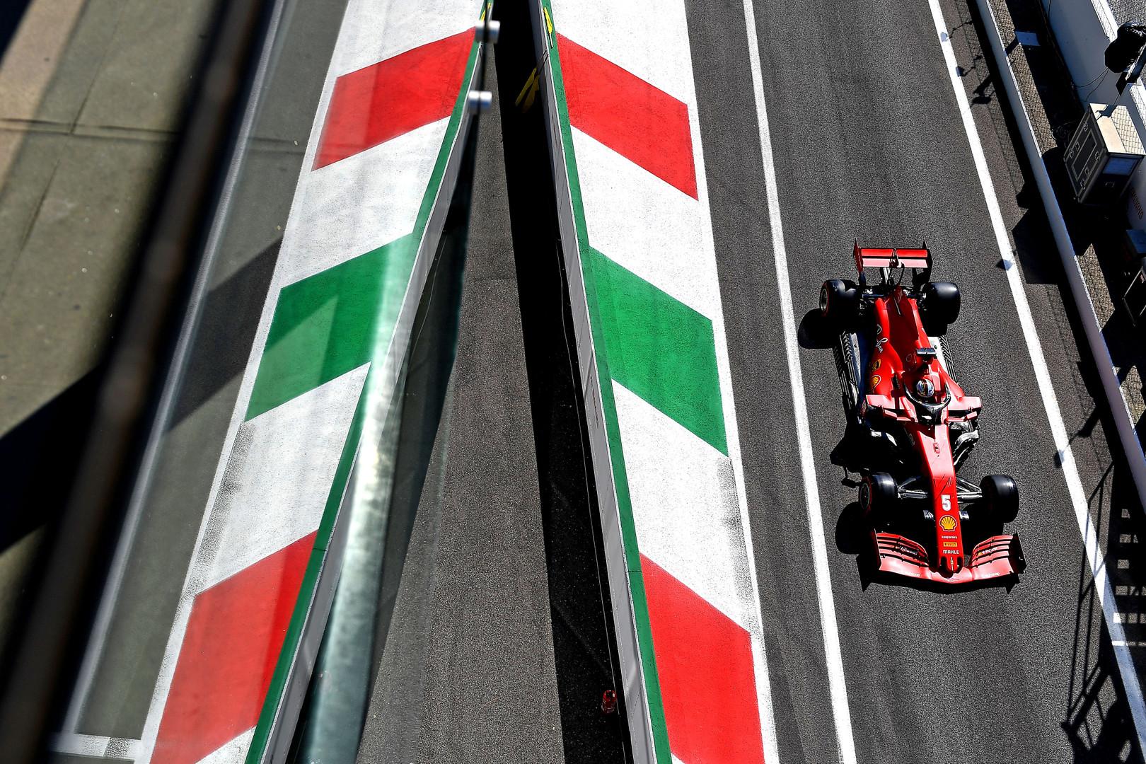 """J. Villeneuve'as: """"Ferrari"""" galėjo būti šių dienų """"Mercedes"""""""