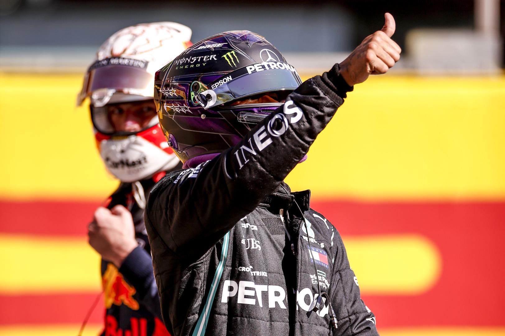 """E. Jordanas: L. Hamiltonui derėtų pereiti į """"Red Bull"""""""