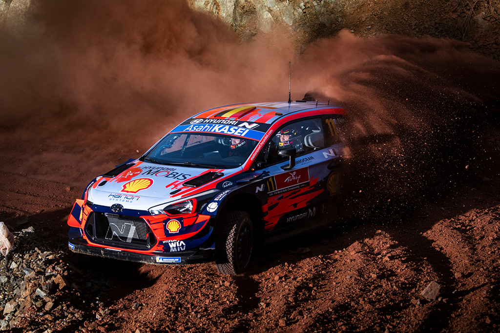 "<span style=""background:#000000; color:white; padding: 0 2px"">WRC</span> Turkijos ralio lyderiu tapo T. Neuville'is"