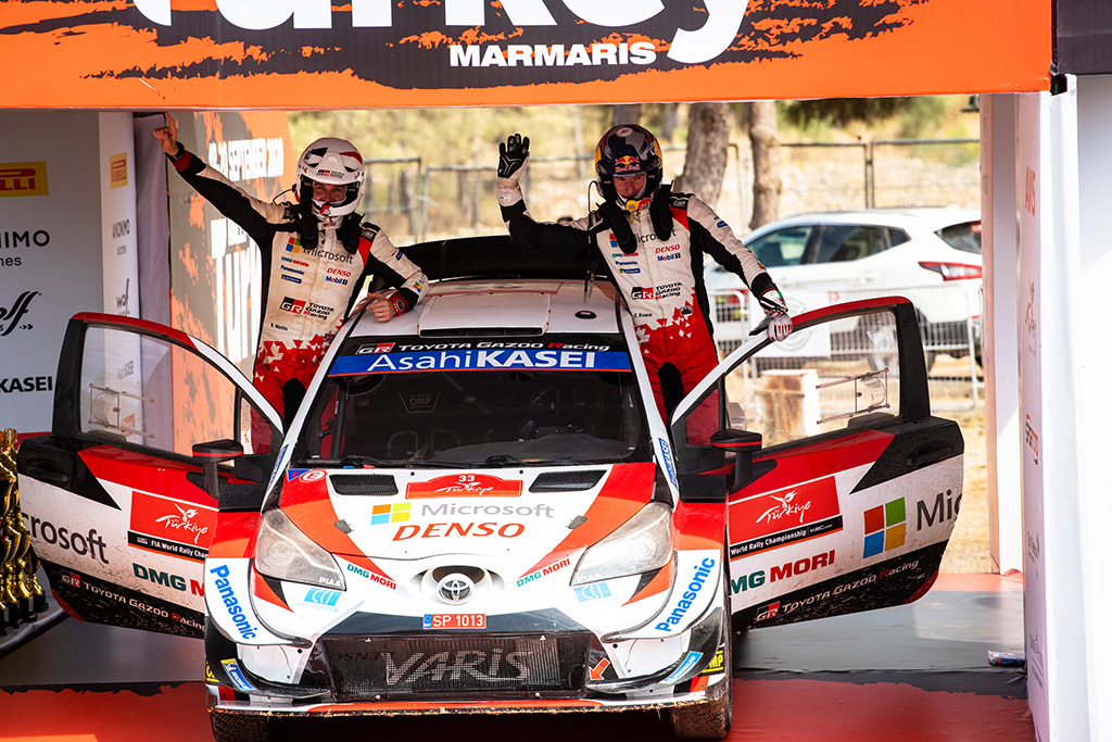 """<span style=""""background:#000000; color:white; padding: 0 2px"""">WRC</span> Dramatiškoje Turkijos ralio pabaigoje - E. Evanso pergalė"""